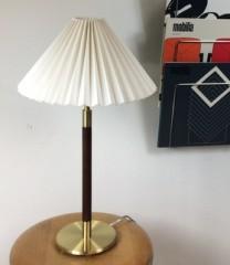 Fin messing bordlampe