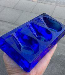 Pibeholder i glas